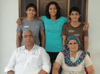 the-phogat-family
