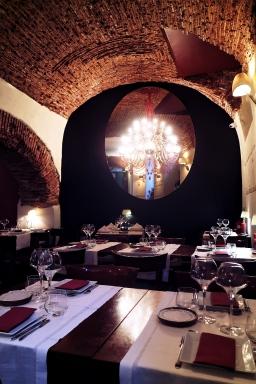 Meson Andaluz interiors