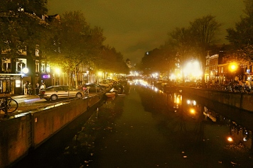 Canals behind Museumplein